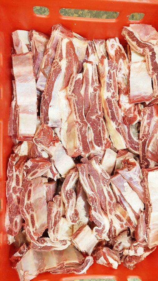 Ribas liellopu ar gaļu