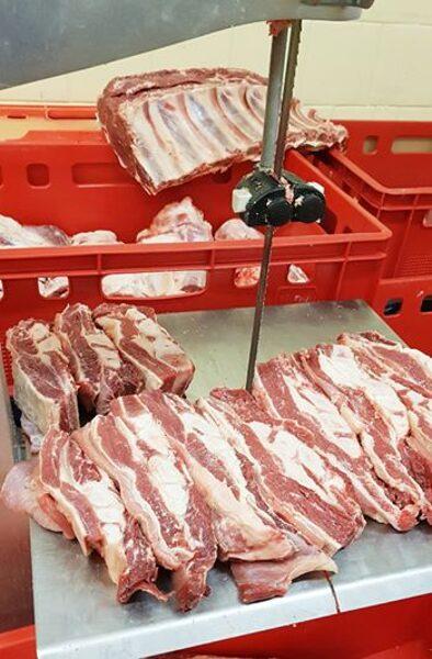 Krūtiņa liellopu ar gaļu